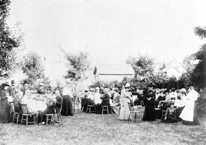1947 0144 0087 Garden Party at Knox