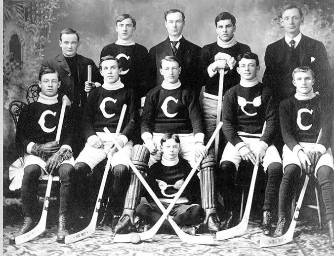 1947 0304 0003 - Catholic hockey team