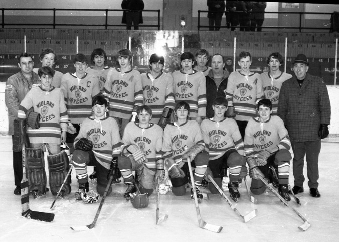 January 1971  ( team hockey)