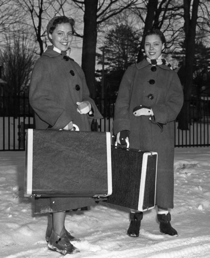 munday twins cropped (2)